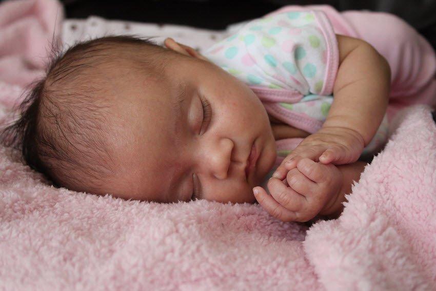 baby sleeping reducing sids