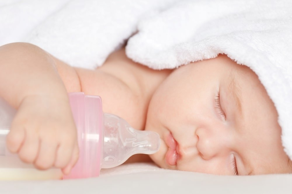 Baby Won't Take Bottle Anymore? Reasons Why Babies Refuse the Bottle