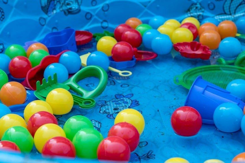 kiddie pool toys