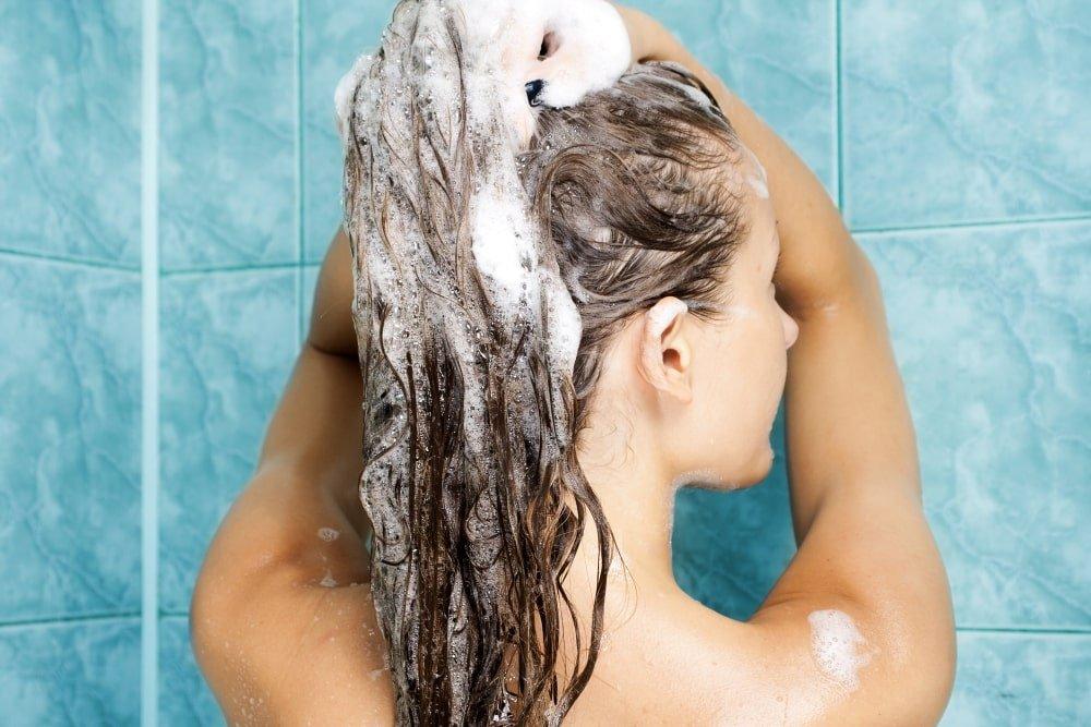 Can Humans Use Dog Shampoo and Vice Versa?