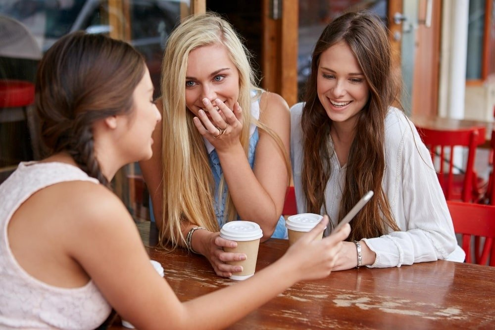 teens drinking coffee