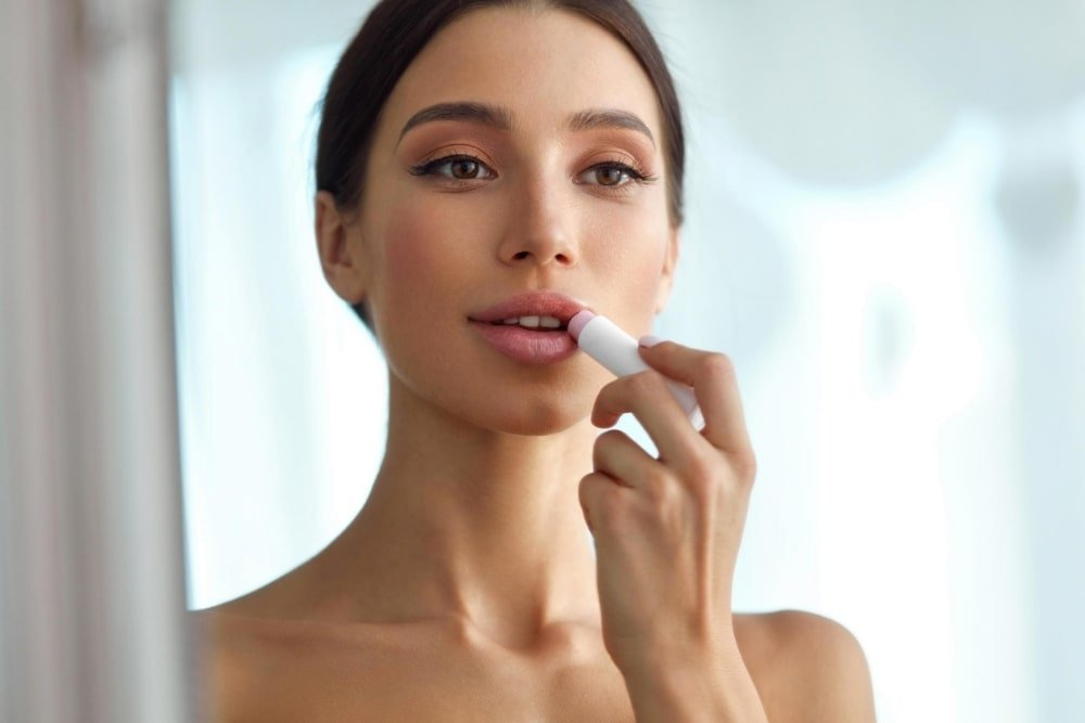 Carmex vs Blistex vs Burt's Bees vs Chapstick vs EOS - Which Lip Balm Deserves Your Lips?