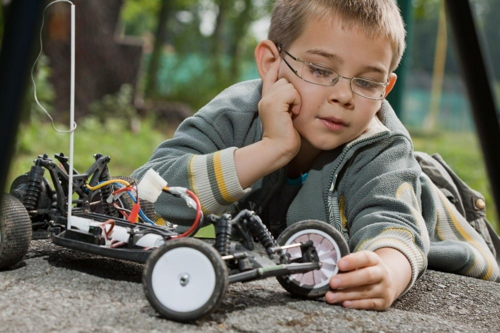 Best 12 Remote Control Cars for 3, 4, 5 and 6 Year Olds in 2020