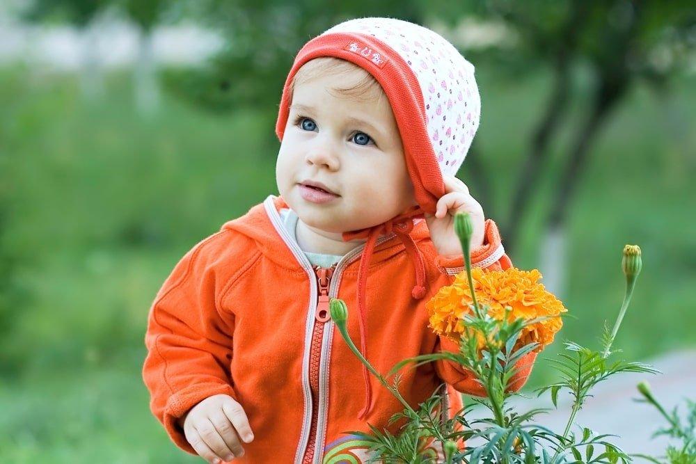 baby in orange