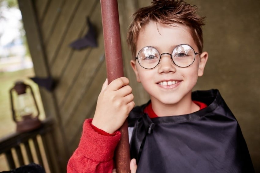 boy dressed as harry potter