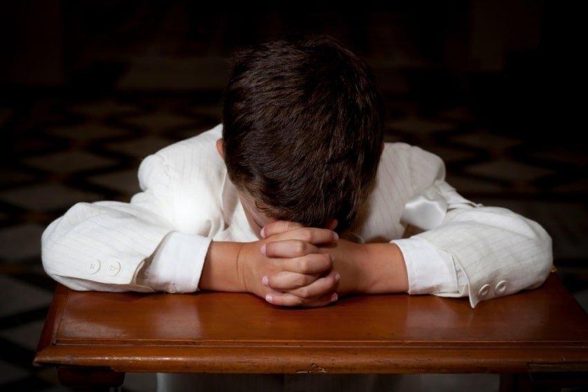boy praying1