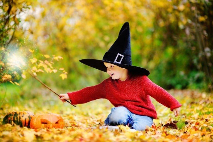 boy wearing a wizard hat