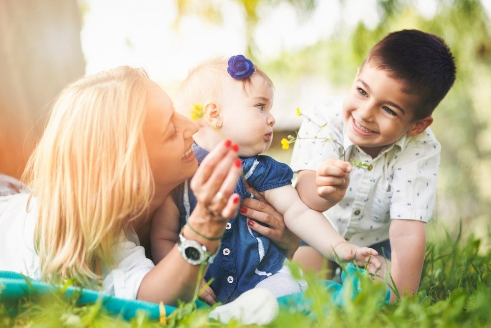2 vs 3 Kids - How Many Children Should You Have and Hows it Different?