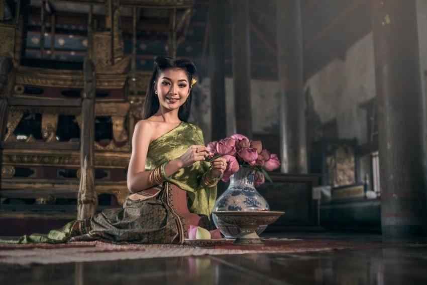 thai girl smiling
