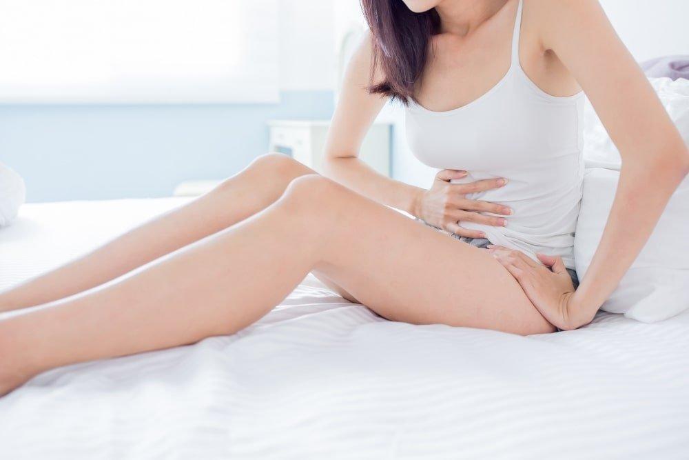 woman having cramps