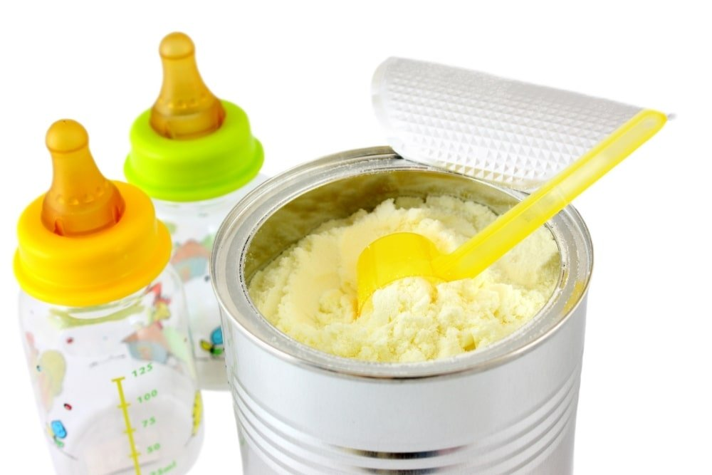 Non GMO Formula vs Regular Formula: Which One Should You Give Your Baby?