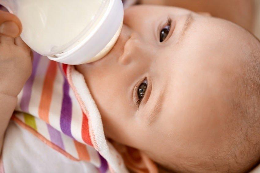 bottlefed baby