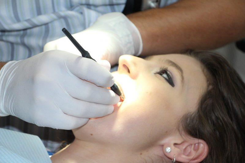 pregnant woman dentist