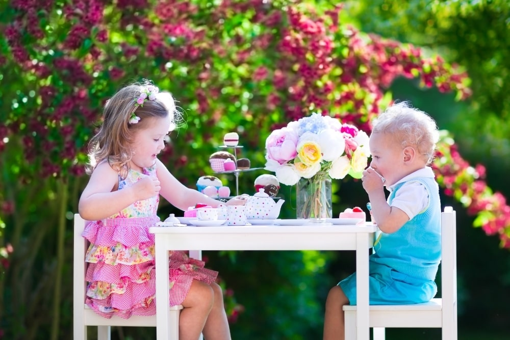 15 Best Tea Party Sets for Toddlers and Kids