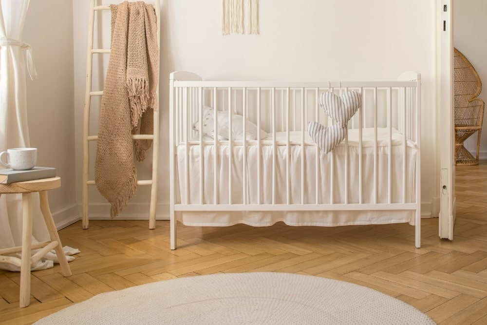 10 Best Low Profile Cribs For Short Moms