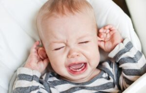 Ear Infection vs Teething - Differences, Symptoms, and Treatments